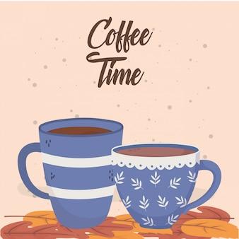 Tempo del caffè, tazze sulle foglie aroma fresco bevanda
