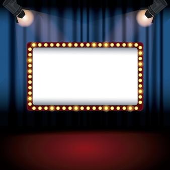 Tenda del cinema del palco del fondo di colore con i riflettori e l'insegna del tabellone per le affissioni