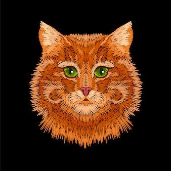 Testa di faccia di occhi verdi gatto a strisce arancione rosso.