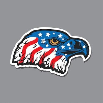 Testa di falco aquila con bandiera usa