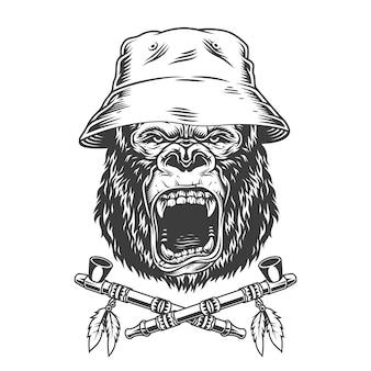 Testa di gorilla arrabbiata in cappello panama