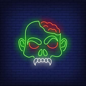 Testa di zombie con insegna al neon di cervelli