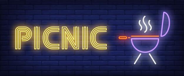 Testo al neon da picnic con barbecue