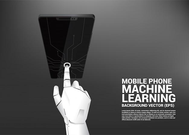 Tocco della mano robot sullo schermo del telefono cellulare