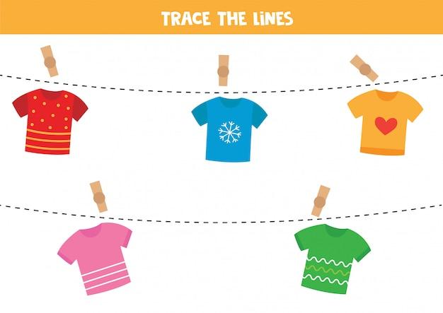 Traccia la corda con le magliette.