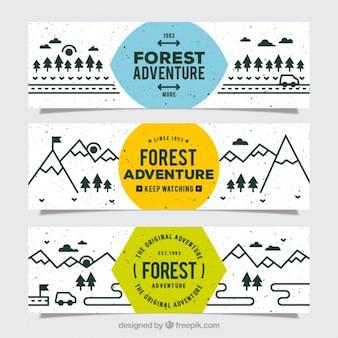 Tre bandiere fantastiche di avventura foresta