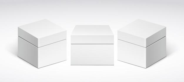 Tre scatole di imballaggio bianche con coperchio, vista frontale e vista laterale.