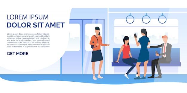 Treno passeggeri che utilizzano telefoni cellulari in carrozza