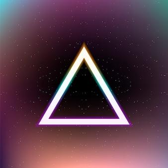 Triangolo colorato luminoso sullo spazio astratto.
