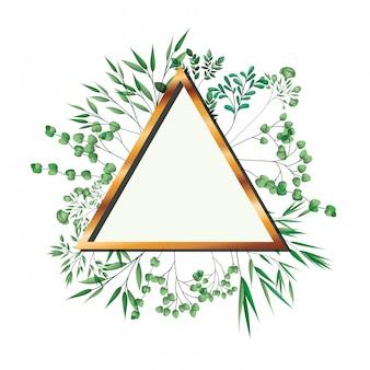 Triangolo cornice dorata con fogliame isolato