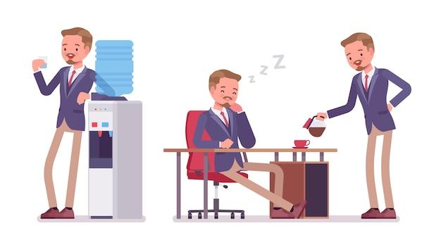 Ufficio maschile rilassante dopo una giornata intensa nel tempo libero