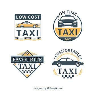 Un insieme di quattro distintivi di taxi in design piatto