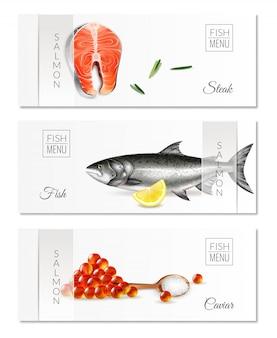 Un insieme realistico di tre insegne orizzontali con le bistecche di color salmone del menu del pesce e il caviale isolati