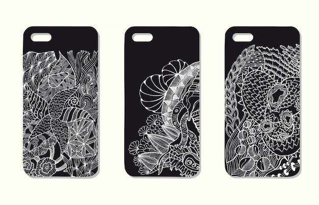 Un set di tre custodie per telefoni cellulari. sfondo vettoriale in stile zentangle. elementi disegnati a mano.