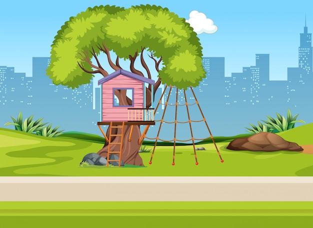 Una casa a tre nel parco giochi