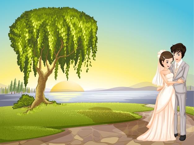 Una coppia attraverso l'albero