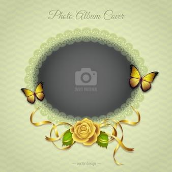 Una cornice romantica con una rosa gialla