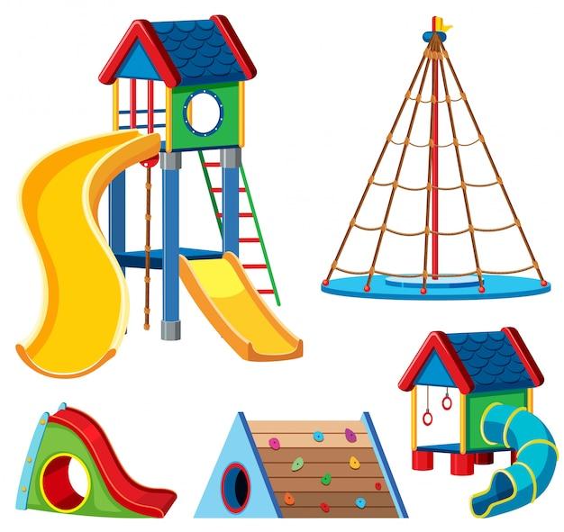 Una serie di attrezzature per parchi giochi