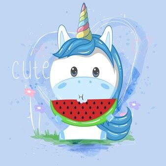 Unicorno carino mangiando anguria