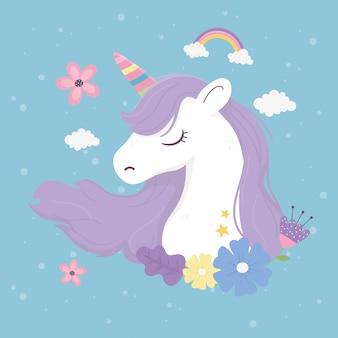 Unicorno fiori nuvole decorazione fantasia magia sogno simpatico cartone animato sfondo blu illustrazione