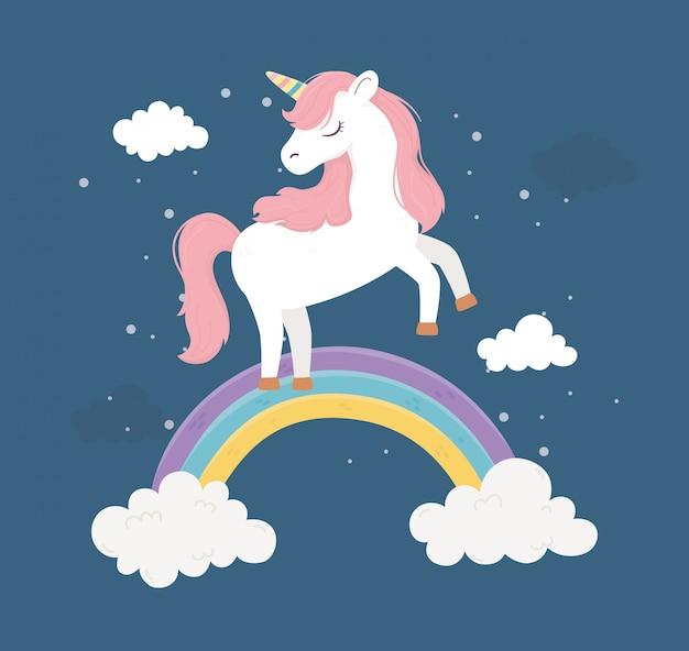 Unicorno su arcobaleno nuvole fantasia magica sogno simpatico fumetto illustrazione