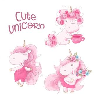 Unicorno sveglio del fumetto su una priorità bassa dell'acquerello