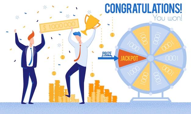Uomini congratulazioni vincendo il jackpot del lotto della lotteria
