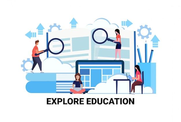 Uomini d'affari in possesso di lente d'ingrandimento zoom ricerca nuove informazioni esplorare il concetto di educazione
