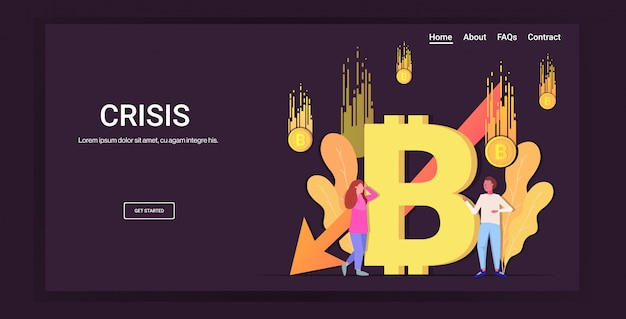 Uomini d'affari stressati frustrati dal calo del prezzo crollo del bitcoin della criptovaluta che cade freccia freccia crisi finanziaria fallimento del rischio di investimento