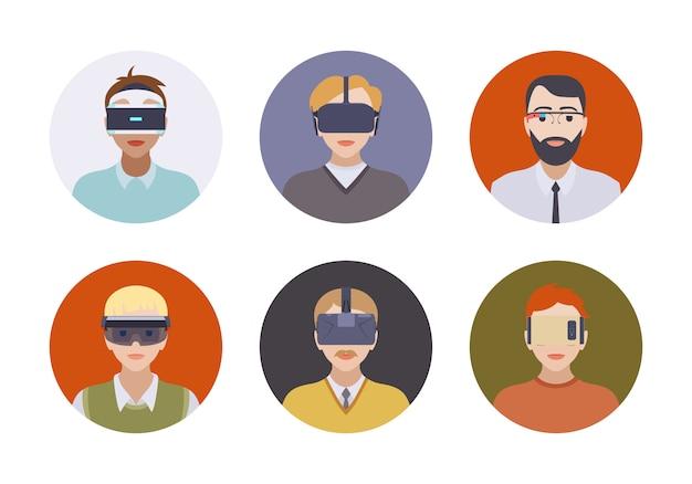 Uomini nelle cuffie per realtà virtuale