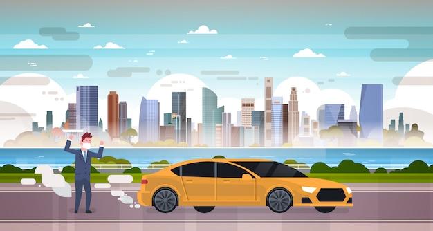 Uomo arrabbiato nella maschera arrabbiato per l'illustrazione delle emissioni dell'automobile