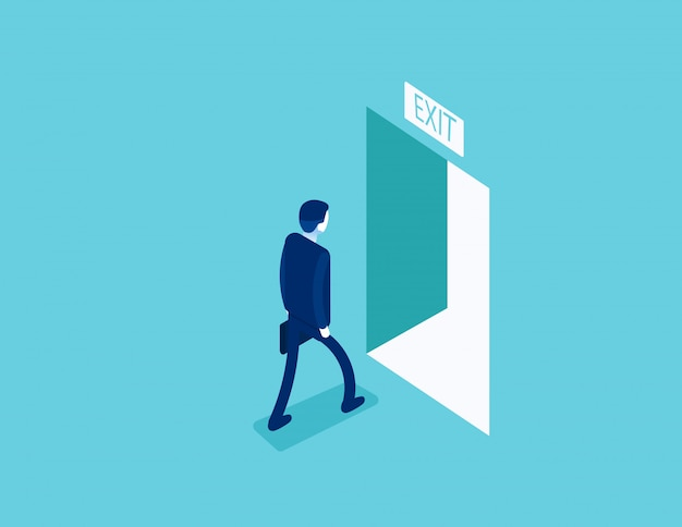 Uomo che cammina verso l'uscita attraverso una porta aperta