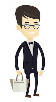 Uomo che posa sulla passerella durante la sfilata di moda.