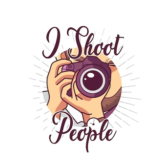 Uomo che tiene la fotocamera dslr per il design della maglietta