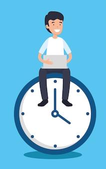 Uomo con il rapporto e l'orologio del computer portatile dell'ufficio