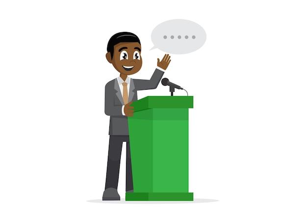 Uomo d'affari africano che dà un discorso al podio.