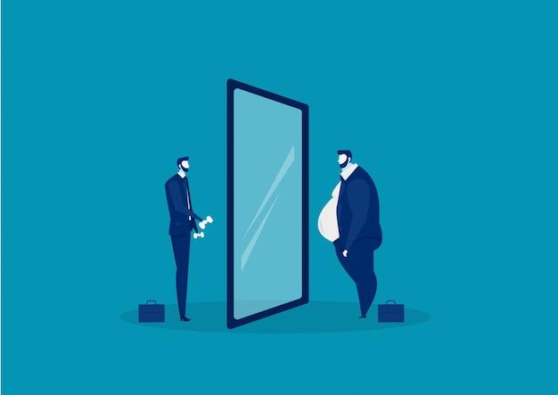 Uomo d'affari che esamina lo specchio che sta con la pancia grassa. confrontare il corpo magro