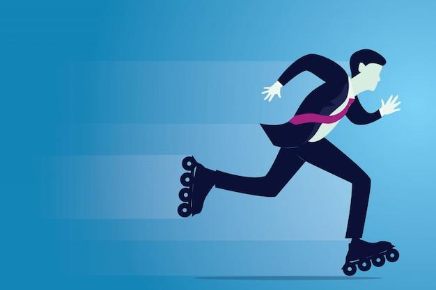 Uomo d'affari che pattina con i pattini di rullo, concetto veloce dell'innovazione di affari