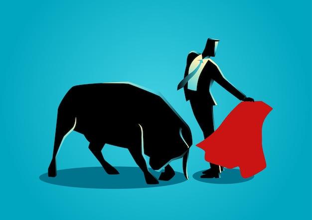 Uomo d'affari coraggioso essendo un matador
