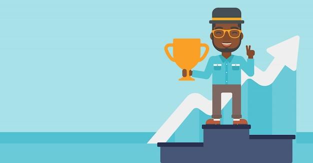 Uomo d'affari fiero del suo premio aziendale.