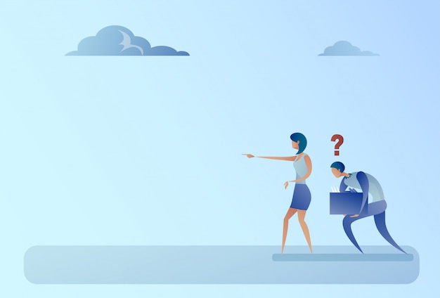 Uomo e donna di affari con il concetto di problema di direzione di manifestazione del dito del punto del punto interrogativo