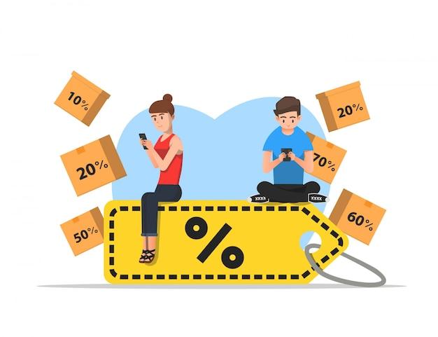 Uomo e donna fanno shopping online a prezzi scontati