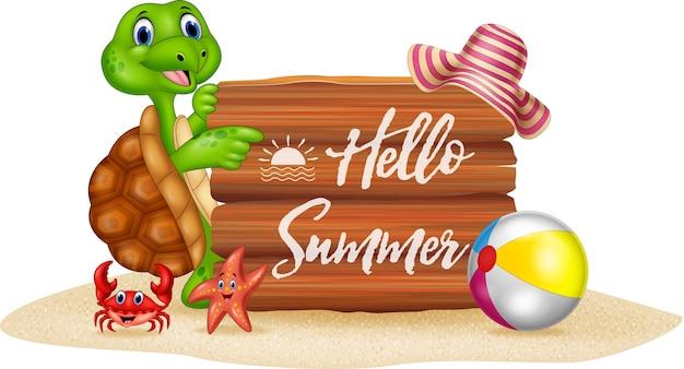 Vacanze estive con cartoon tartaruga e cartello in legno