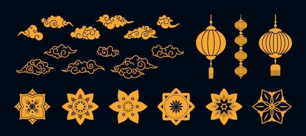 Vari set di elementi piatti tradizionali oro asiatico