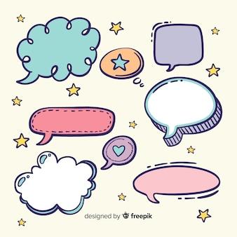 Varietà di forme colorate bolle di discorso con espressioni