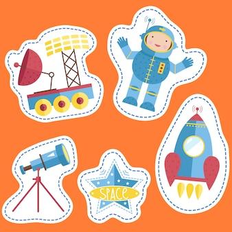 Varietà forme cartellini dei prezzi con cartoni animati spaziali