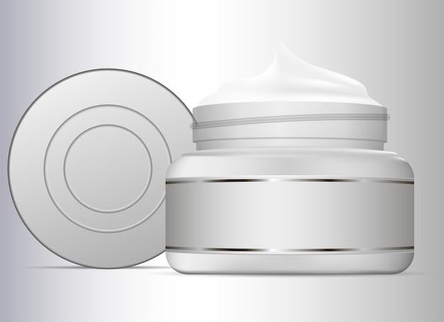 Vasetto di crema isolato su sfondo bianco
