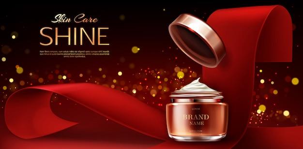 Vasetto di crema, prodotti per la cura della pelle cosmetici su rosso