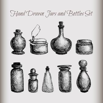 Vasi di vetro e bottiglie d'annata isolati disegnati a mano messi