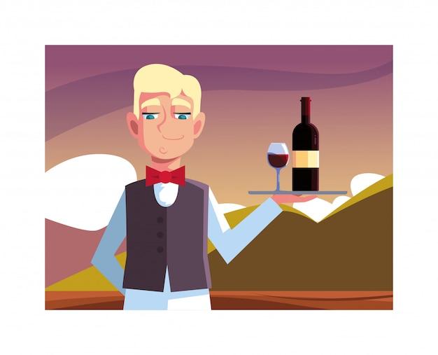Vassoio della tenuta del cameriere dell'uomo con il vino della bottiglia